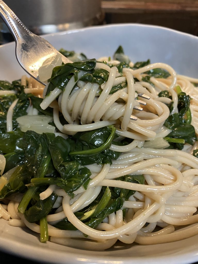Spaghetti with Creamy Spinach Sauce